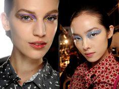 Olhos poderosos com cristais! Essa é nossa aposta para o Carnaval! #maquiagem #carnaval