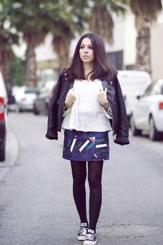 Perfecto Schott Pull maille blanc Jupe motifs géométriques Converse