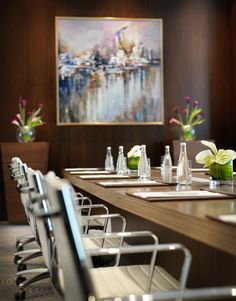 These rooms are suitable for board and team meetings, training sessions, presentations, interviews and private dining.