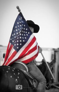 Old Glory at a rodeo Rodeo Girls, Rodeo Queen, Rodeo Life, Horse Pictures, Senior Pictures, Senior Pics, Moon Pictures, Senior Year, Bull Riding