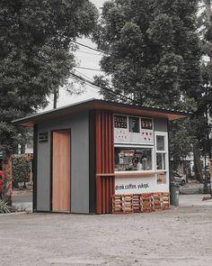 画像に含まれている可能性があるもの:空、木、屋外 Opening A Coffee Shop, Small Coffee Shop, Coffee Shop Bar, Coffee Cafe, Cafe Shop Design, Kiosk Design, Snack House, Container Coffee Shop, Mini Cafe