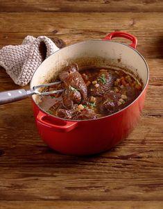 Nous sommes sérieux en disant «faites maison». Dans cette recette, nous t'expliquons comment préparer de A à Z cette spécialité de nos grands-mères. Valeur Nutritive, Mets, Chili, Food And Drink, Recipe, Recipes, Food Recipes, Stuff Stuff, Good Food