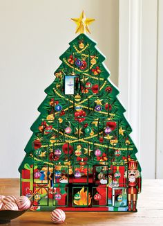 ¿Ya estas contando los días para que llegue la Navidad? Pues busca el Countdown to Christmas Light Up Tree. ¡Una Exclusiva de Avon! #NavidadesEnAvon