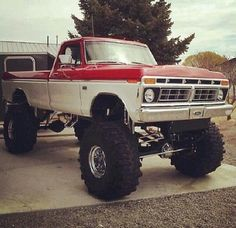 Ford vintage Monster lifted truck