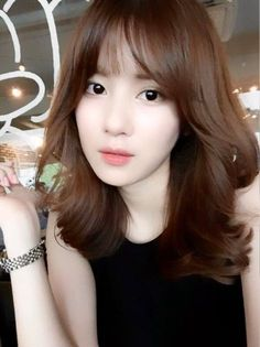 Pin on xx HAIR xx Korean hairstyle female says short hair can't look feminine? The Top Korean haircuts for Asian women 2018 also show off your girly Hair Color 2018, Hair Color Auburn, Hair 2018, Medium Hair Cuts, Medium Hair Styles, Short Hair Styles, Haircuts For Long Hair, Trendy Hairstyles, Korean Medium Hairstyles
