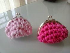 dos monederitos en distintos tonos de rosa