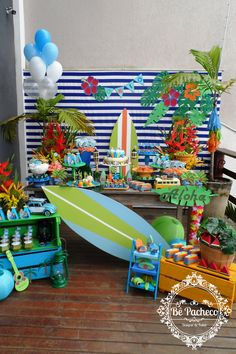 Surf na praia do Caio! - Lilly is Love Kids Luau Parties, Pool Party Themes, Hawaiian Party Decorations, Hawaiian Birthday, Luau Birthday, Boy Birthday Parties, Aloha Party, Luau Party, Summer Pool Party