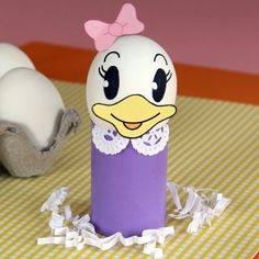 This papercraft is a Daisy Duck Easter Egg Decoration, created by spoonful. Everybody knows that Daisy has the gift of gab. Likewise, this charming Easter Disney Easter Eggs, Easter Eggs Kids, Easter Egg Crafts, Daisy Duck, July Crafts, Holiday Crafts, Holiday Fun, Funny Eggs, Diy Ostern
