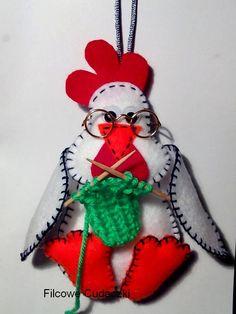 ręcznie wykonana zawieszka z filcu- dziergająca kura