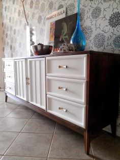 Re-tiqued By Rae Bond.: Two-toned Hollywood Regency Dresser Re-tiqued By Rae Bond.: Two-toned Hollywood Regency Dresser Diy Home Furniture, Diy Furniture Projects, Refurbished Furniture, Find Furniture, Repurposed Furniture, Furniture Making, Furniture Makeover, Painted Furniture, Diy Interior