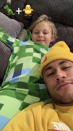 Neymar Jr, Neymar Memes, Neymar Brazil, Fifa Football, Fc B, Boy Hairstyles, Gorgeous Men, Beautiful Birds, To My Future Husband