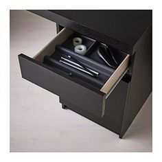 Schreibtisch ikea malm  MALM Schreibtisch, schwarzbraun | Kabel, Verlängerungskabel und ...