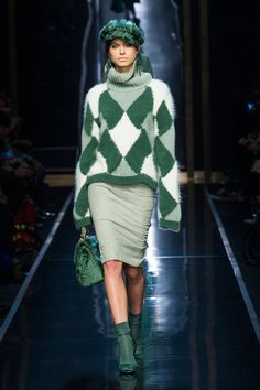 Ermanno Scervino Fall 2014 Ready-to-Wear Collection - Tricot 02 Knit Fashion, Fashion Week, Look Fashion, Womens Fashion, Fashion Trends, Milan Fashion, Fashion 2015, High Fashion, Style Vert