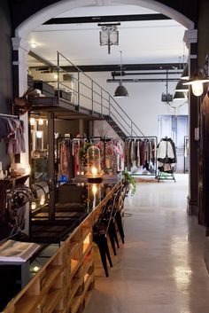 concept store the collector (amsterdam) Love the mix of high-end/reclaimed