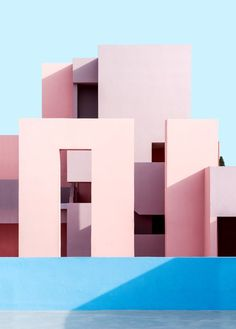 On an inviting coastline in Spain basking in the warm Alicante sunshine lies an historical housing project that has inspired generations. La Muralla Roja (literally The Red Wall) on the rocky cliffs. Colour Architecture, Minimalist Architecture, Beautiful Architecture, Architecture Details, Interior Architecture, Contemporary Architecture, Luxury Interior, Rock The Casbah, Ricardo Bofill