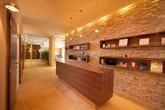 Das EISENBERG - Wellnessoase Divider, Room, Furniture, Home Decor, Bathroom, Bathing, Homemade Home Decor, Rooms, Home Furnishings