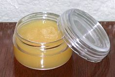 Ajakbalzsam, amely kitűnő a száraz, cserepes száj kezelésére