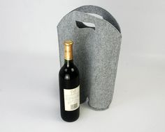 ++++++ Description ++++++ This manual and especial Wine Box/Bag is made from Felt which is durable. You can you're your things methodize and look