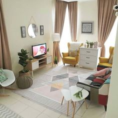 Learn living room furniture arrangement tips and lots of tricks. These 15 small living room ideas will make your home feel like it has tons of space. Small House Interior Design, Small House Decorating, Home Room Design, Small Space Living Room, Home Living Room, Living Room Decor, Minimalist House Design, Minimalist Home, Location Villa