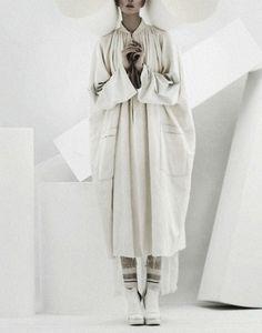 Alyona Subbotina by Jenny Hands - July 2012 并置景
