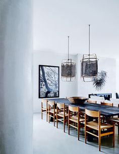 Eclectic beach home in Sydney. Dining room. Photo by Anson Smart via Vogue Living