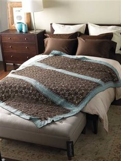 This yak crochet lace afghan is so beautiful. I love the look of the crochet lace in this design. Damask Afghan - Media - Crochet Me