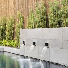 Pool water feature by 37 South Pools - Melbourne Pool + Spa Construction