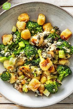 Gnocchi from the oven with broccoli HelloFresh - Food Cheap Vegetarian Meals, Vegetarian Recipes, Healthy Recipes, Savoury Dishes, Tasty Dishes, I Love Food, Good Food, Spinach Bake, Hello Fresh Recipes