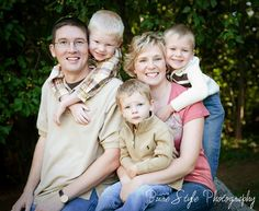 Family of 5, hugging photo