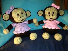 Baby girl monkeys - Free pattern with Ravelry account.