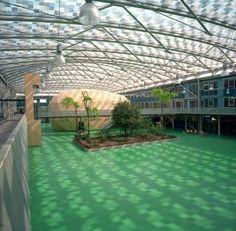 Kingsdale School, London, UK - inddor sport centre?