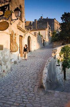 Les Baux-de-Provence, How to Get to Les Baux-de-Provence