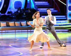 Candace Cameron Bure and Mark Ballas perform the Foxtrot on #DWTS Week 8 (5/5/15)