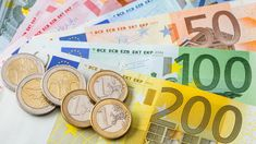 Euro Banknotes and Coins jigsaw puzzle Free Jigsaw Puzzles, Puzzle Of The Day, Online Casino Bonus, Real Estate Investing, Facebook, Free Money, Google, Coins, Martie