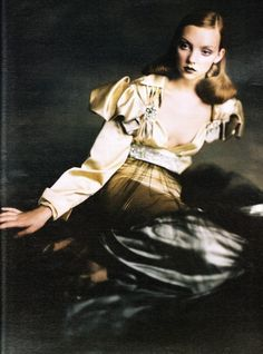 Ladies in Waiting W, October 2004 Photographer: Paolo Roversi Model: Heather Marks Christian Lacroix, Fall 2004 Couture Paolo Roversi, Fashion Art, Editorial Fashion, Fashion Bible, Fashion Portraits, Caroline Trentini, Portrait Photography, Fashion Photography, Magazine Pictures