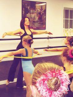 Creating With Kids - Samantha Parsons I like the ribbon idea.