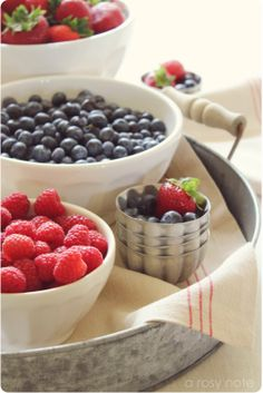 fruit > berry > strawberries & blueberries in bowls on vintage tray (by ARosyNote.blogspot 2011-06-01 #2152)
