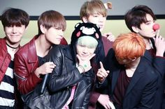 151213 | BTS | group picture | credits to @SUGA_BLUES | Namjoon's hiding (͡° ͜ʖ ͡°)