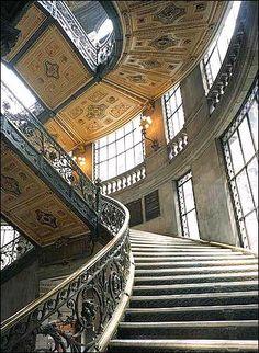 Museo Nacional de Arte, México Visiting Mexico City, Visit Mexico, Mexican Art, Mexican Style, Beautiful Stairs, Beautiful Places, Classic Architecture, Architecture Design, Escalier Art