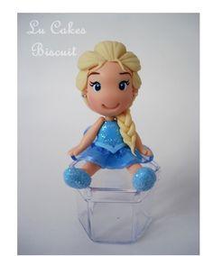 Lembrancinha Elsa em biscuit