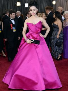#FanBingbing at the #Oscars wearing #Marchesa and #RogerVivier