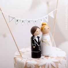 Mr-Mrs-Torten-Deko | Tortenaufsatz | Hochzeit | Empfohlen von Himmelreich Fotografie www.himmelreich-fotografie.de