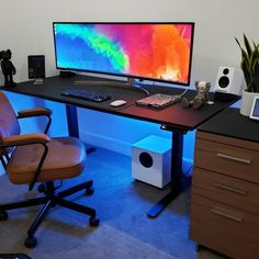 Sunday inspiration 🙆‍♂️🙆‍♂️🙆‍♂️The craziest ultrawide setup 📸 Credit Desk Inspo, Office Inspo, Office Setup, Pc Setup, Desk Setup, Gaming Setup, Gaming Chair, Office Desk, Sunday Inspiration