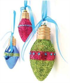 11 Ideas DIY Glitter Ornaments for Christmas Tree - Lightbulb Glitter Ornaments ideas home concept