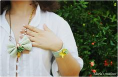 Green - yellow bow necklace