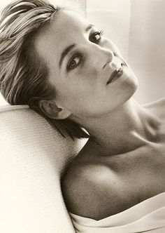 Diana de Gales. ¿A quién no inspira, Lady Di? Una persona con gran carisma, caritativa y con gran sentido de la moda.