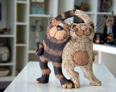 Cerámica hecha a mano, Funny Cats, Escultura gato, gatos, gato Arte Cerámica, Escultura animal, tótem del gato, decoración del hogar, decoración, arte del gato Estatuilla