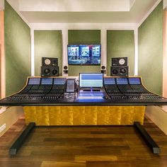 See industry-standard pro mixing installations audio professionals use to efficiently create, manage, and distribute the highest-quality music and sound. Audio Studio, Recording Studio Home, Home Studio, Audio In, Austria, Studios, Voice Acting, Console, Diy Ideas