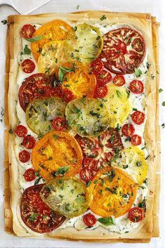 An easy, fresh and flavorful tomato ricotta phyllo tart with flaky pastry layers and chopped herbs. An easy, fresh and flavorful tomato ricotta phyllo tart with flaky pastry layers, chopped herbs, fresh heirloom tomatoes and a ricotta spread. Think Food, Food For Thought, Love Food, Mango Salsa, Vegetarian Recipes, Cooking Recipes, Healthy Recipes, Dishes Recipes, Whole30 Recipes