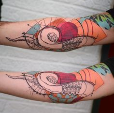 Tentacle and elements based in the geometry of a Nautilus shell and the golden ratio. Tattoo by Ihearttattoo in Columbus, OH